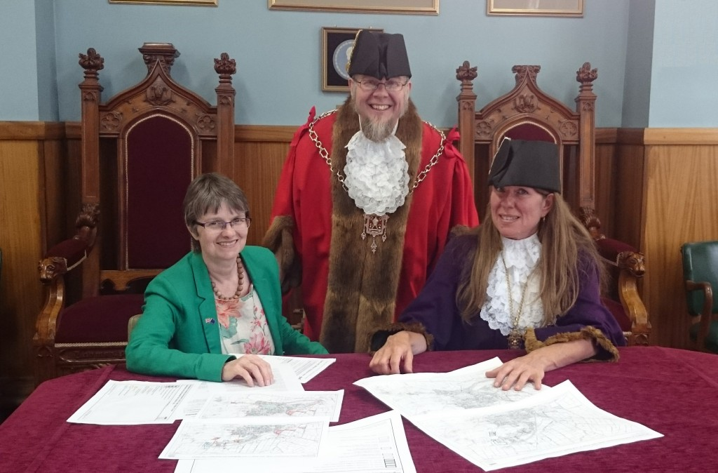 Molly Scott Cato with Glastonbury's Mayor, Jon Cousins and Deputy Mayor, Emma George.
